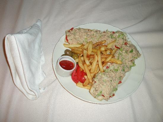 Domina Coral Bay Prestige Hotel: Room Service (Tuna Sandwich)