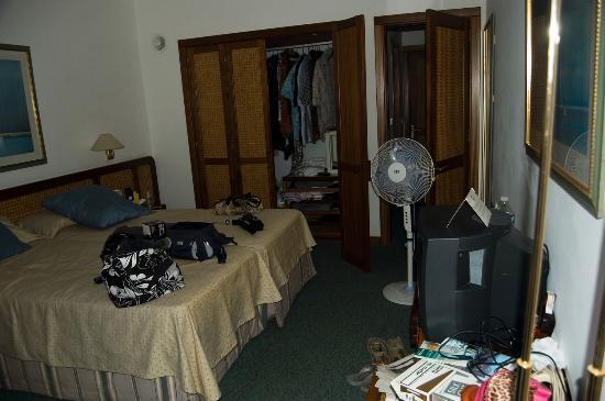 Los Fariones Hotel: Bedroom