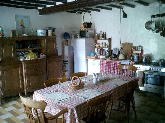 Graignes, Франция: Family Kitchen