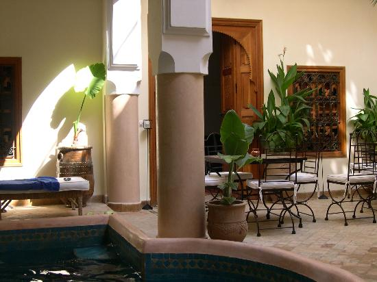 Riad Les Trois Palmiers El Bacha: le patio