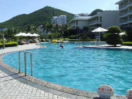 โรงแรมแลนด์สเคปบีชซันยา: Hotel pool