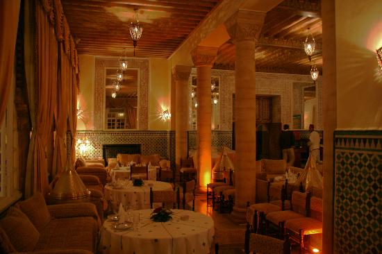 Hotel la Tour Hassan: Restaurant marocian