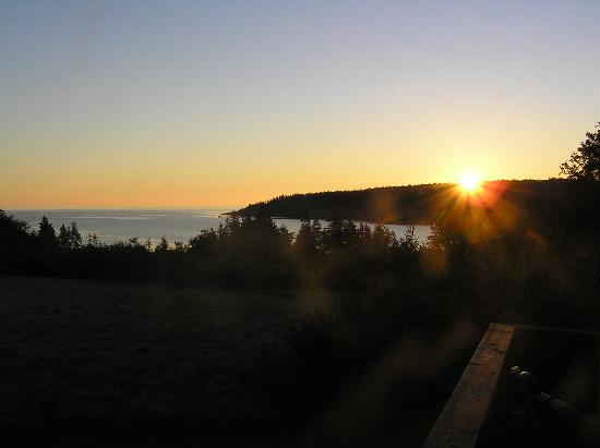 Grand Manan, Kanada: Sunrise at Inn at Whale Cove Cottages
