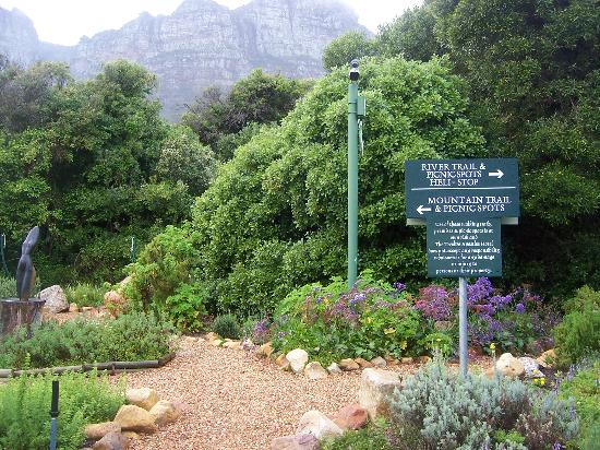 The Twelve Apostles Hotel and Spa: walking trails behind hotel