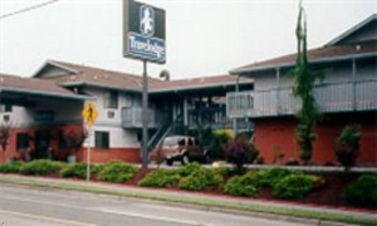 Econo Lodge: Everett Mall Travelodge