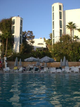Hotel Le Tivoli: Piscine de jour