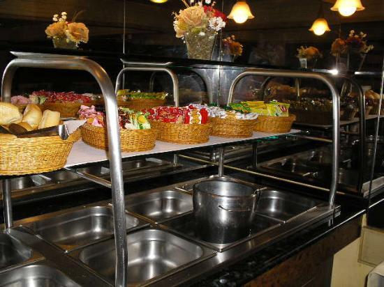 ICARAI PRAIA HOTEL, The breakfast.