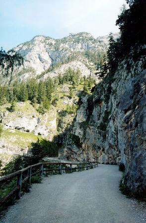 Werfenweng, Austria: walkway to the cave