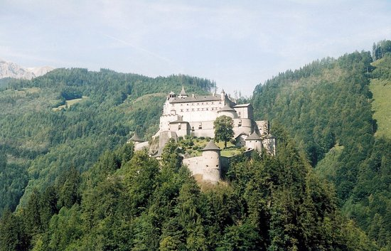 Werfenweng, Austria: this is a castle we saw on the walk up to the cave
