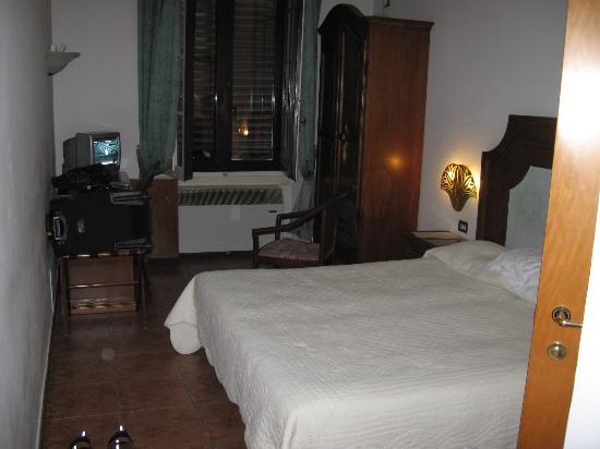 Hotel Alinari: Bedroom