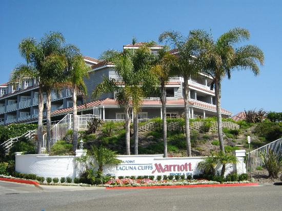 Laguna Cliffs Marriott Resort and Spa: Entrance to hotel