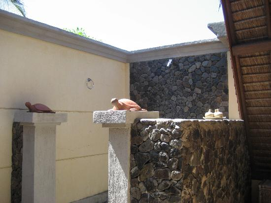 Good Heart Resort: Outdoor Shower