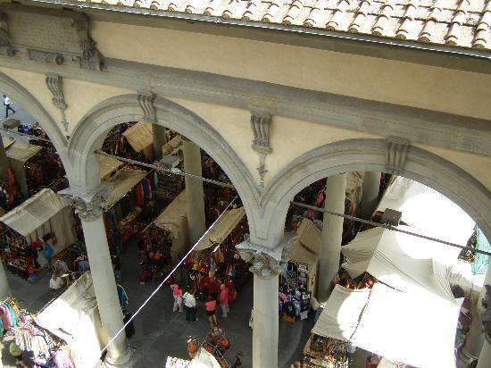 Relais Cavalcanti: Mercato del Porcellino - the view from Pontormo.
