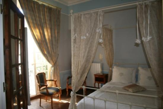 Pézenas, Francia: Bedroom in Vigniamont Suite