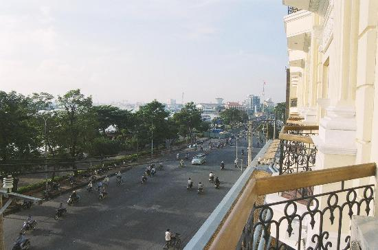 Hotel Majestic Saigon: View from one of our balconies