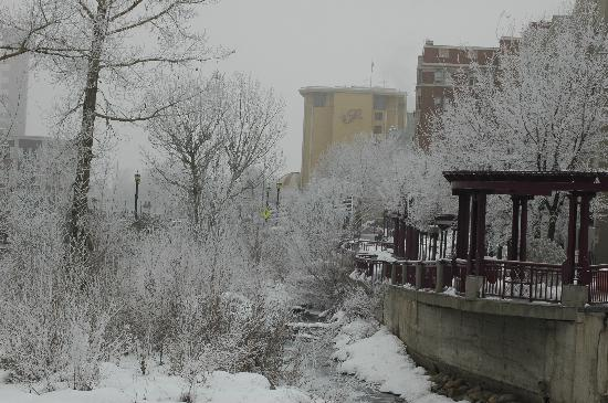 4th Street Bistro : Reno downtown river view in snow