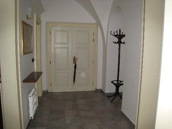 Hotel Residence Retezova: Foyer