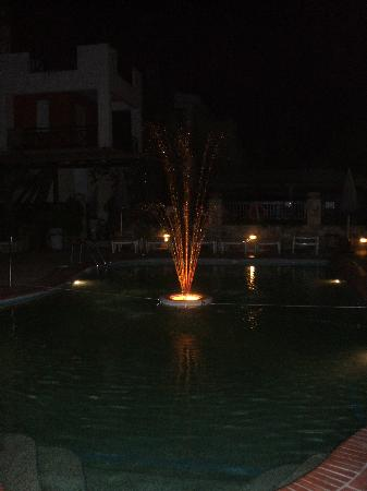 Hotel Aeollos: the pool at night