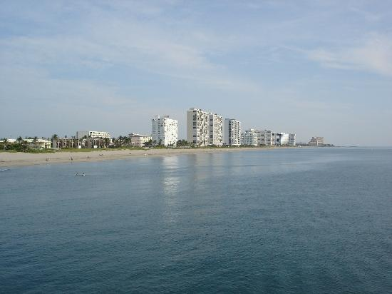 Emerald Seas Resort: View Towards Emerald Seas From Pier