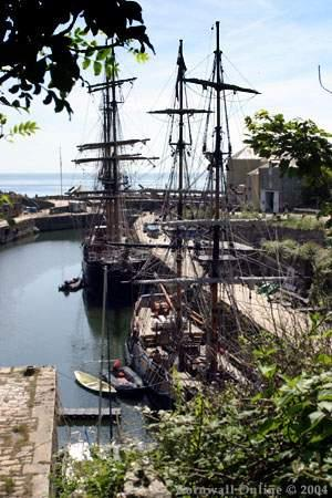 Applecroft Bed & Breakfast: charlestown ships