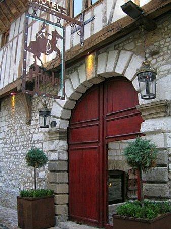 La Maison de Rhodes: front