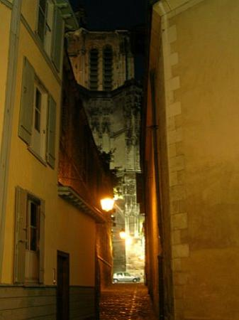 La Maison de Rhodes: cathedral and alley leading to it from hotel