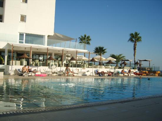 Napa Mermaid Hotel and Suites : pool side