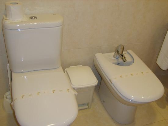 Montemar Maritim: The bathroom part 1