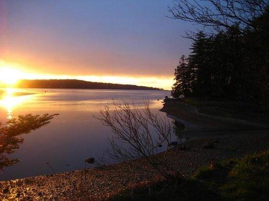 Blaine, واشنطن: Sunset at a lake in Blaine
