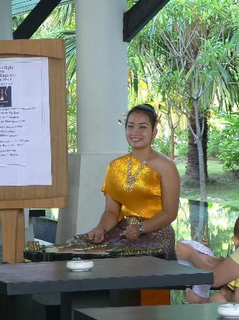 Centara Karon Resort Phuket: un ptit peu de musique a l'accueil de l'hotel!