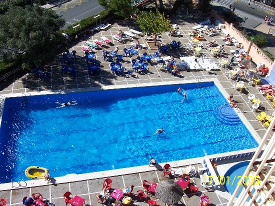 Hotel pool picture of h top molinos park salou Dunfermline hotels with swimming pool