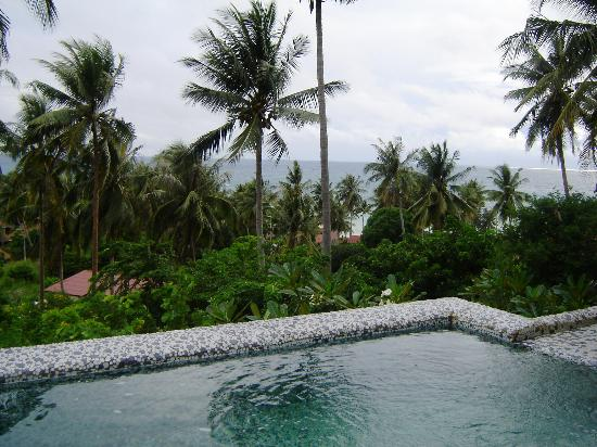 Anankhira Villas: View and pool