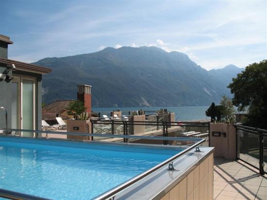 Hotel Europa: Mini pool.