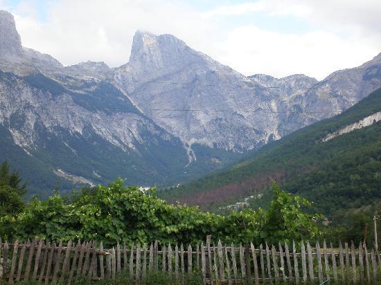 Албания: Thethi, Albania
