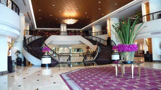 Plaza Athenee Bangkok, A Royal Meridien Hotel: Hotellobby
