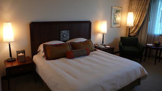Plaza Athenee Bangkok, A Royal Meridien Hotel: Hotelzimmer 1