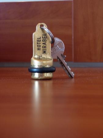 Mirabel City Center Hotel: Hotel Key