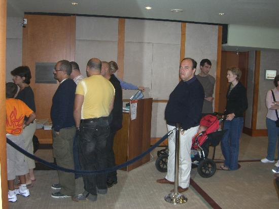 Sheraton Stockholm Hotel : 30 minute queue for breakfast