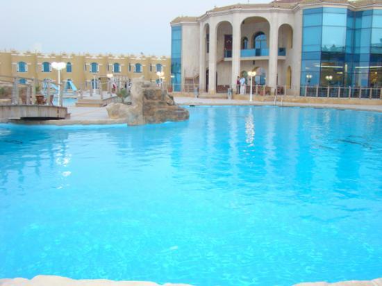 Al Khor, Qatar: pool