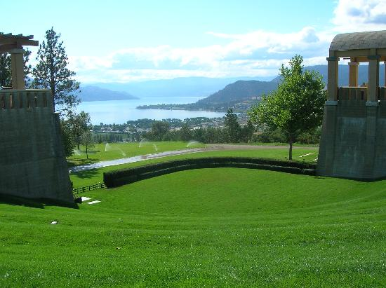 A View to Remember B&B: Mission Hill Winery, Kelowna