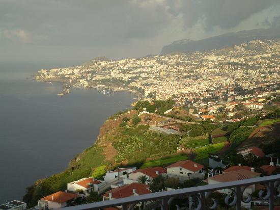 Ocean Gardens: Foto de Funchal desde la habitación Panorámica)