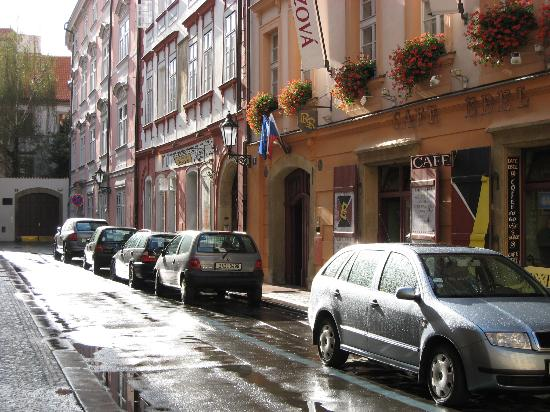 Hotel Residence Retezova: Exterior of Hotel