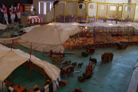 The Barnum Museum : Circus Exhibit
