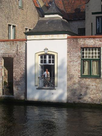 Canalview Hotel Ter Reien: canal view of room
