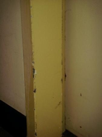 Maximilian Hotel: Banged-up hall doorway.