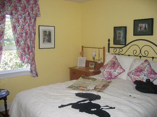 Shirley Samantha's Bed & Breakfast: room