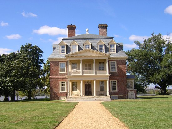 https://media-cdn.tripadvisor.com/media/photo-s/01/06/44/0a/shirley-plantation-charles.jpg