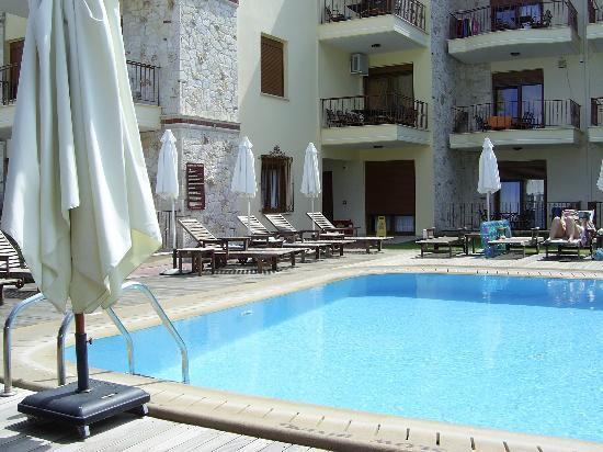 Hotel nereides hanioti gr ce halkidiki voir les for Piscine nereides