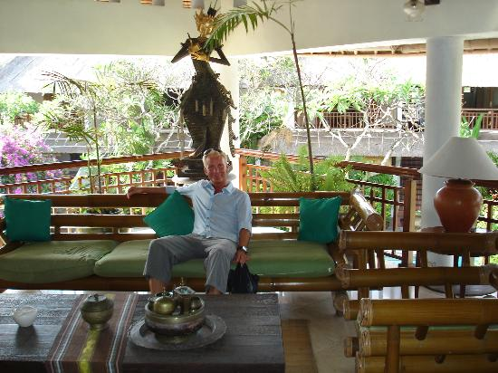 Sativa Sanur Cottages: The hotel reception