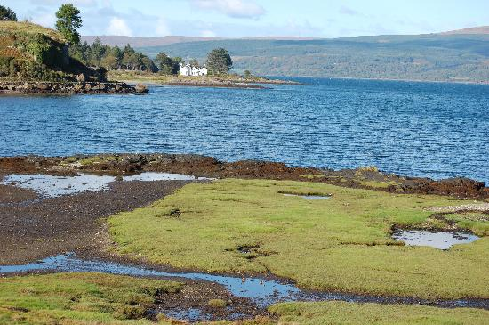 Isle of Mull, UK: Salen Bay looking towards Aros